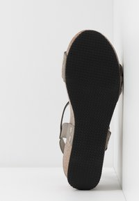 RE:DESIGNED - SABINE - Sandály na platformě - khaki - 6