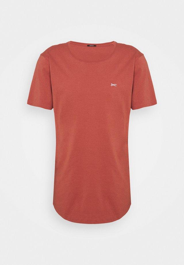 LUIS TEE - T-shirt basic - marsala red
