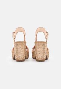 Felmini - MESHA - Korolliset sandaalit - tamponada tapioca - 3