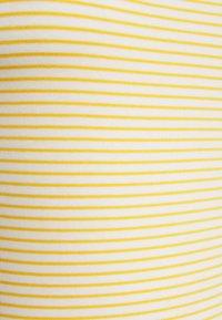 GAP Petite - BATEAU - Print T-shirt - yellow - 2