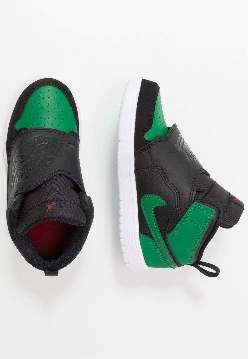 Jordan - SKY 1 UNISEX - Basketball shoes - black/pine green/gym red