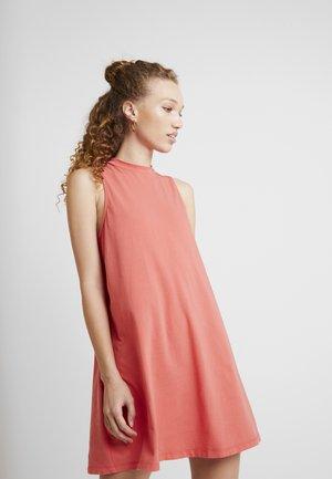CARMEL DRESS - Jerseykjole - spiced coral