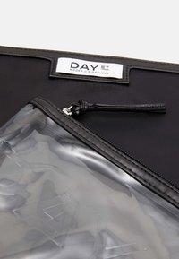 DAY ET - GWENETH SMALL 2 PACK - Wash bag - black - 4