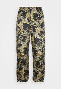 Versace Jeans Couture - RISTOP LOGO BAROQUE - Pantaloni sportivi - nero - 5