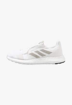 SENSEBOOST GO - Juoksukenkä/neutraalit - footwear white/grey one/core black