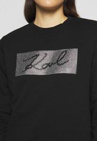 KARL LAGERFELD - RHINESTONE SIGNATURE - Sweatshirt - black - 6