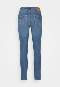 ONLY - ONLDAISY LIFE PUSH UP - Jeans Skinny Fit - medium blue denim - 6