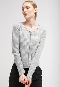 Vila - VINAJA NEW SHORT JACKET - Summer jacket - light grey melange - 0
