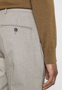 Selected Homme - SLHSLIM MAZELOGAN - Traje - sand - 7