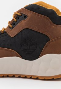 Timberland - SOLAR WAVE MID EK+ - High-top trainers - mid brown