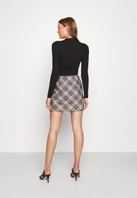 Abercrombie & Fitch - PLAID MINI SKIRT - Minisukně - grey - 2