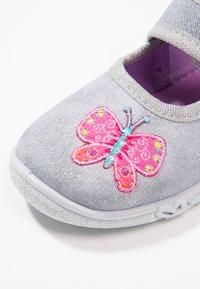 Superfit - BELINDA - Domácí obuv - stone - 5