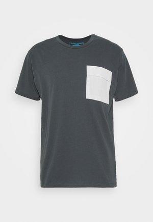 JCOAWAKE TEE CREW NECK - T-shirts print - pirate black