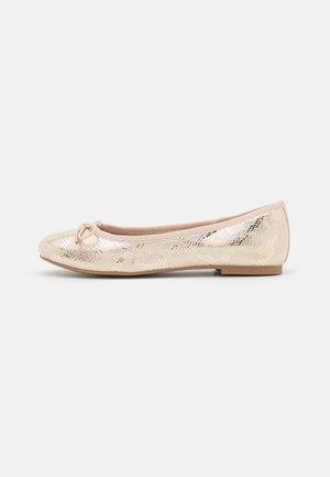 Ballet pumps - ivory