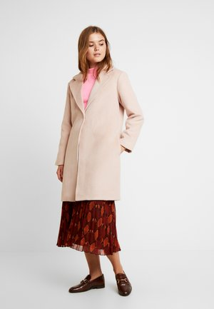 Frakker / klassisk frakker - rose