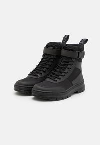 Dr. Martens - COMBS TECH -8 EYE BOOT UNISEX - Lace-up ankle boots - black - 1