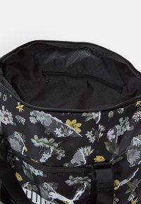 Puma - CORE SEASONAL DUFFLE BAG - Shopping bag - black - 2