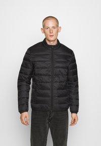 Jack & Jones - JJEMAGIC PUFFER COLLAR  - Light jacket - black - 0