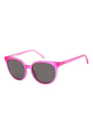 MAKANI - Sunglasses - matte crystal pink/ grey