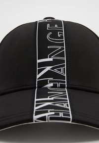 Armani Exchange - Cap - black - 3