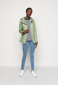 ONLY Tall - ONLLORCA - Parka - hedge green - 1
