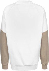 adidas Originals - TREFOIL - Sweatshirt - white - 1