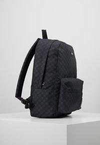Vans - OLD SKOOL  - Tagesrucksack - black/charcoal - 3