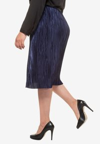Ulla Popken - A-line skirt - deep dark blue - 2