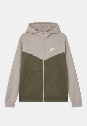 REPEAT HOODIE - Training jacket - desert sand/medium olive/white