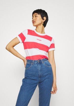 STRIPED HIGH - T-shirt z nadrukiem - paradise pink