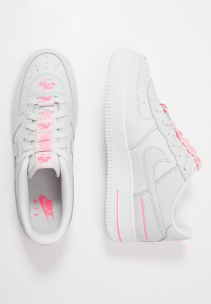 AIR FORCE 1 LV8 3 - Trainers - photon dust/digital pink/white