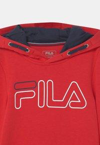 Fila - WILIAM UNISEX - Jersey con capucha - fila red - 2