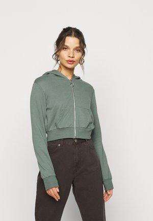 CROPPED SWEAT JACKET  - Zip-up hoodie - green