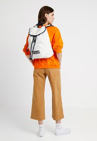 Tommy Jeans - HERITAGE BACKPACK - Rucksack - white - 2