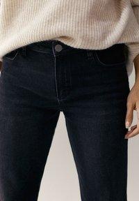 Massimo Dutti - MIT HALBHOHEM BUND - Slim fit jeans - dark grey - 3