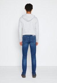 TOM TAILOR DENIM - SLIM PIERS - Jeans slim fit - used mid stone blue denim - 2