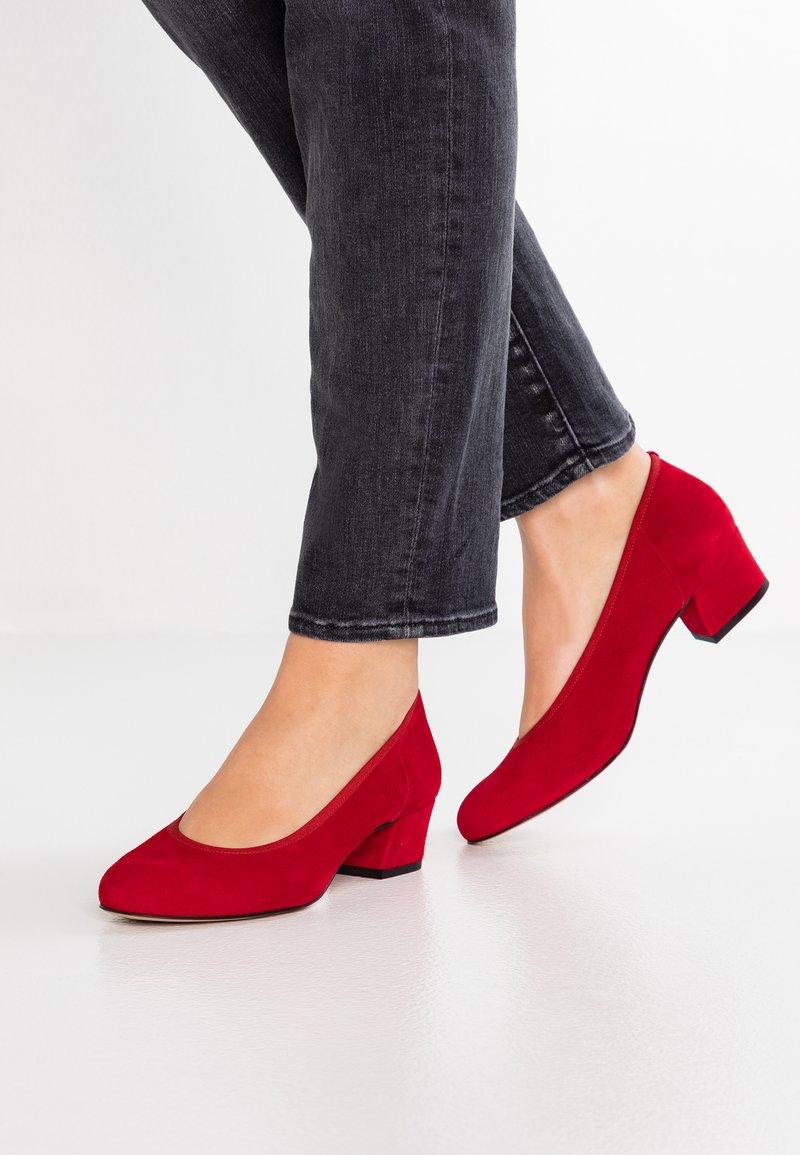 PERLATO - Classic heels - kiss