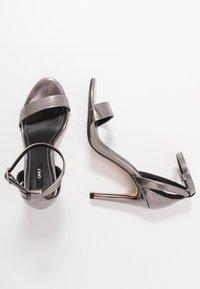 ONLY SHOES - Sandales à talons hauts - gunmetal - 3