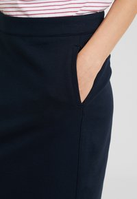 Dranella - ILANO SKIRT - Blyantnederdel / pencil skirts - dark sapphire - 3