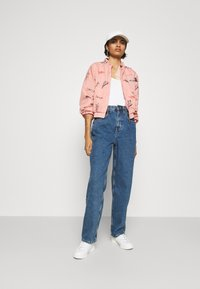 BDG Urban Outfitters - MODERN BOYFRIEND BAGGY JEAN - Relaxed fit -farkut - blue denim - 1