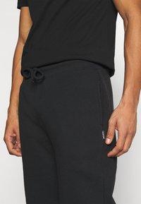 YOURTURN - UNISEX SET - Shorts - black - 7
