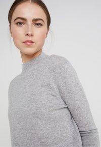 pure cashmere - MOCKNECK  - Jumper - light grey - 4