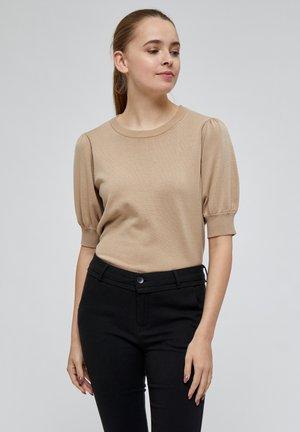 LIVA - Basic T-shirt - sand