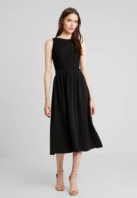 mint&berry - Jersey dress - black - 2