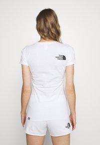 The North Face - RAINBOW TEE - Print T-shirt - white - 2
