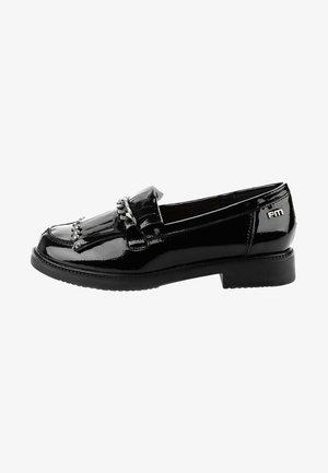 MACCABEI - Slip-ins - black