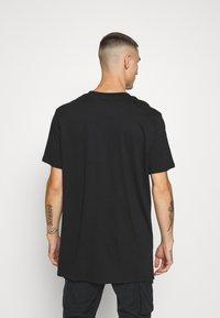 Night Addict - DAKOTA - Print T-shirt - black - 2