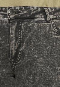 Zizzi - JALBA HIGH WAIST - Denim shorts - grey denim - 4