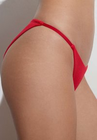 OYSHO - STRAPPY CLASSIC  - Bikini bottoms - red - 3