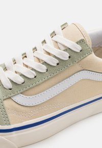 Vans - ANAHEIM OLD SKOOL 36 DX UNISEX - Skate shoes - sand/olive/white - 7